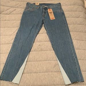Levi's Taper Cropped Jeans